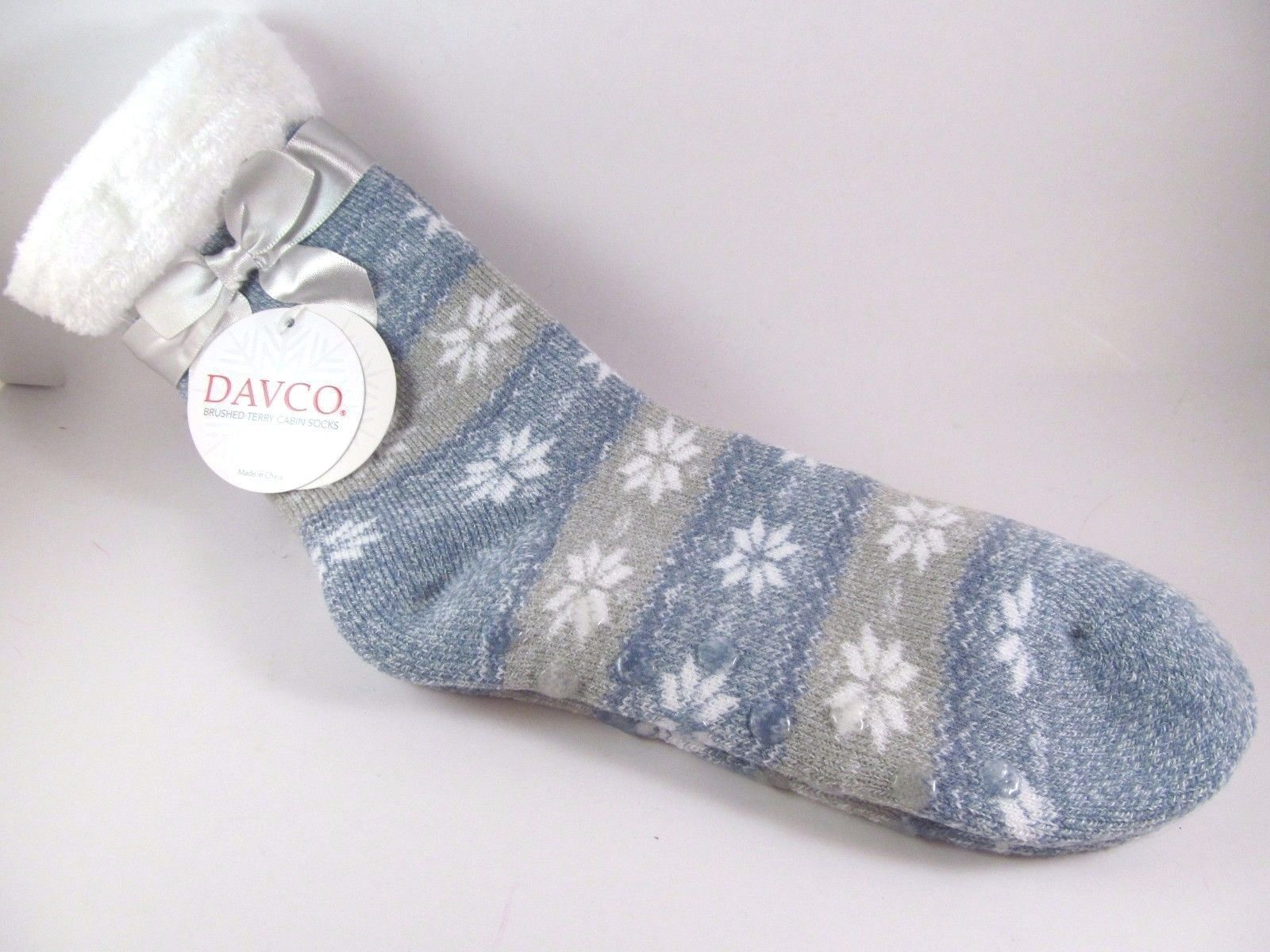 Davco Cozy Slipper Socks Womans Ladies Poly White Snowflakes Gripper ...