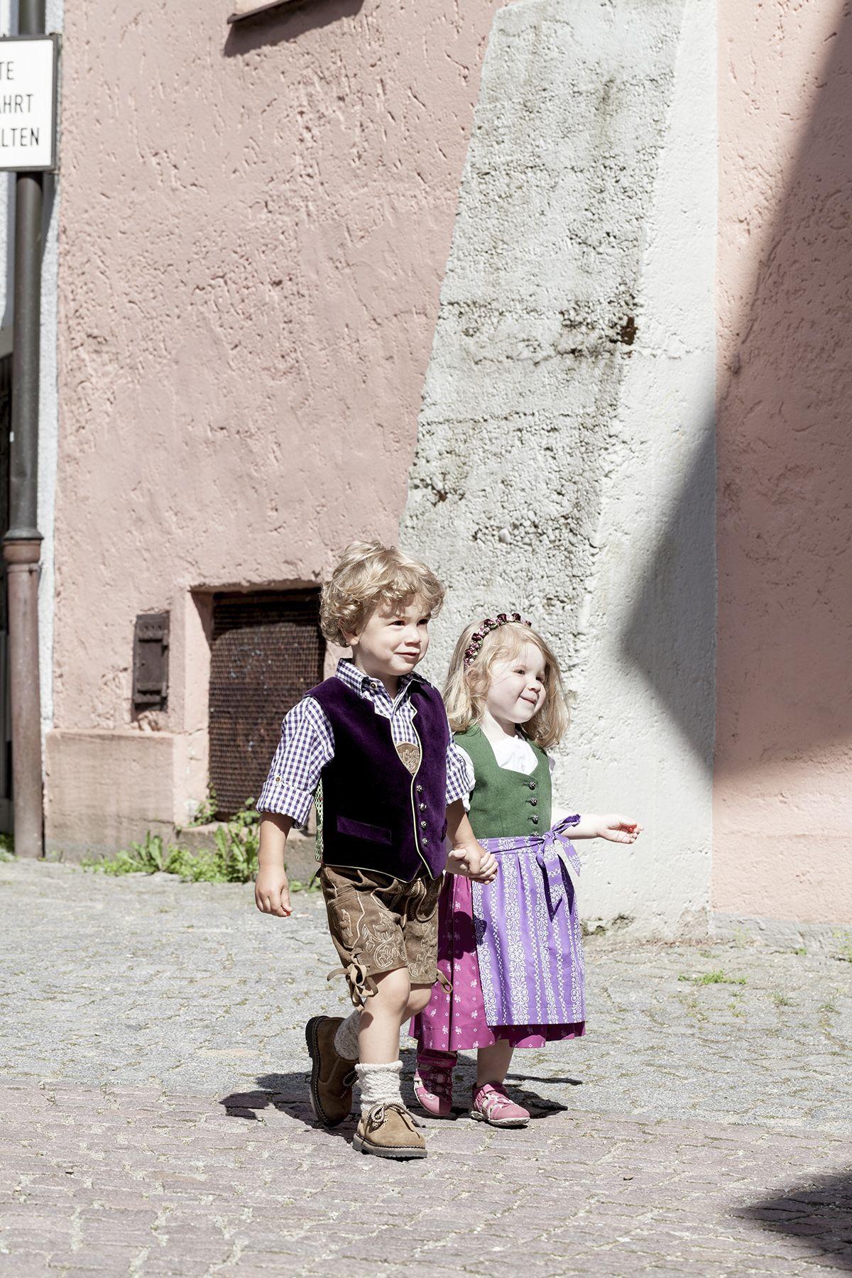 Goldige Kinder-Trachten bei Daniel Fendler