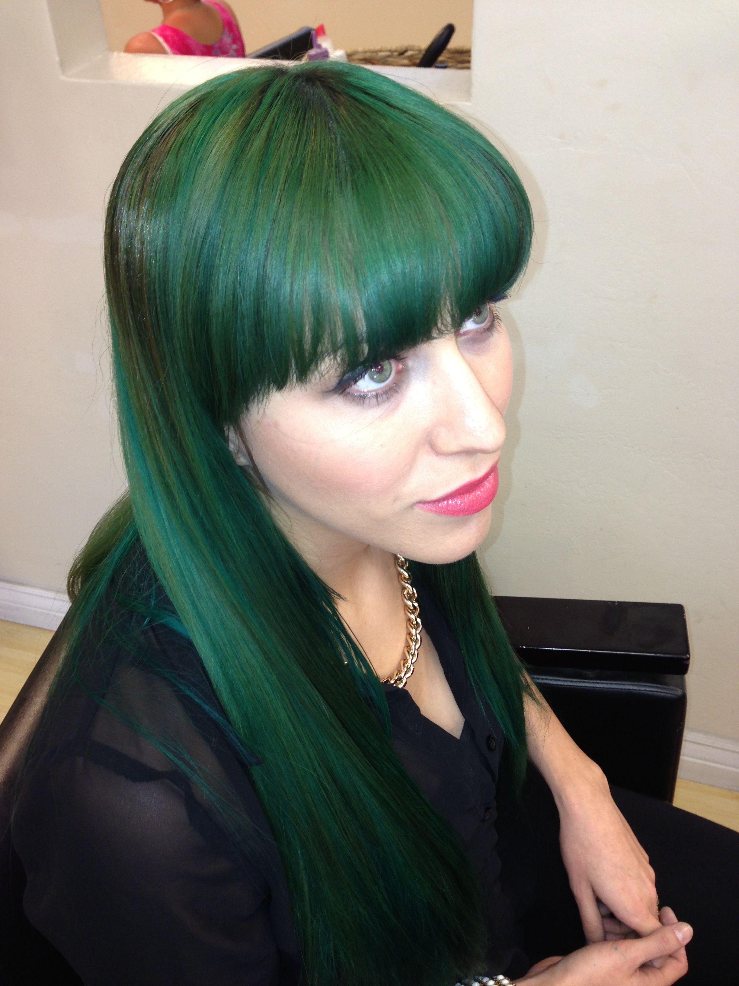 Dark Emerald Green Hair Fabulos Green Hair Emerald Green Hair Wild Hair Color