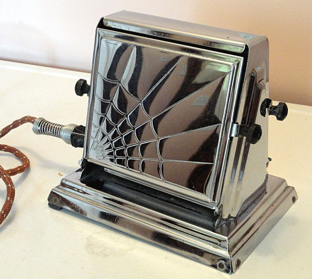 1930s carlisle electric flopper toaster with spider web art deco design antiques i love. Black Bedroom Furniture Sets. Home Design Ideas