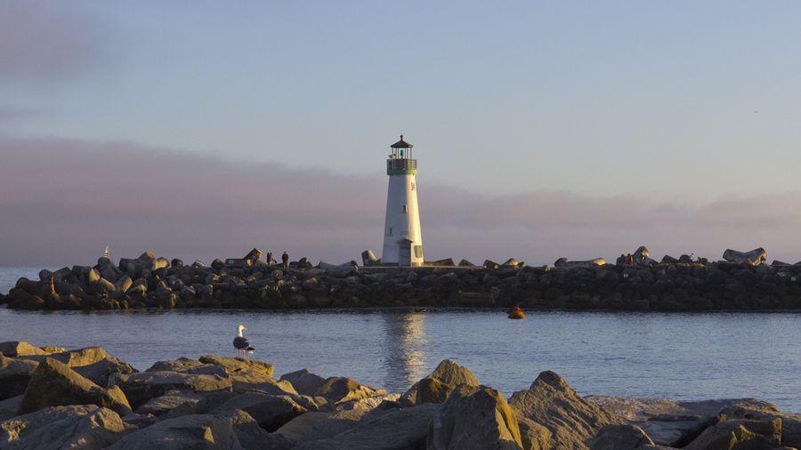 Twin Lakes Beach Lighthouse by Nando Albuquerque on 500px