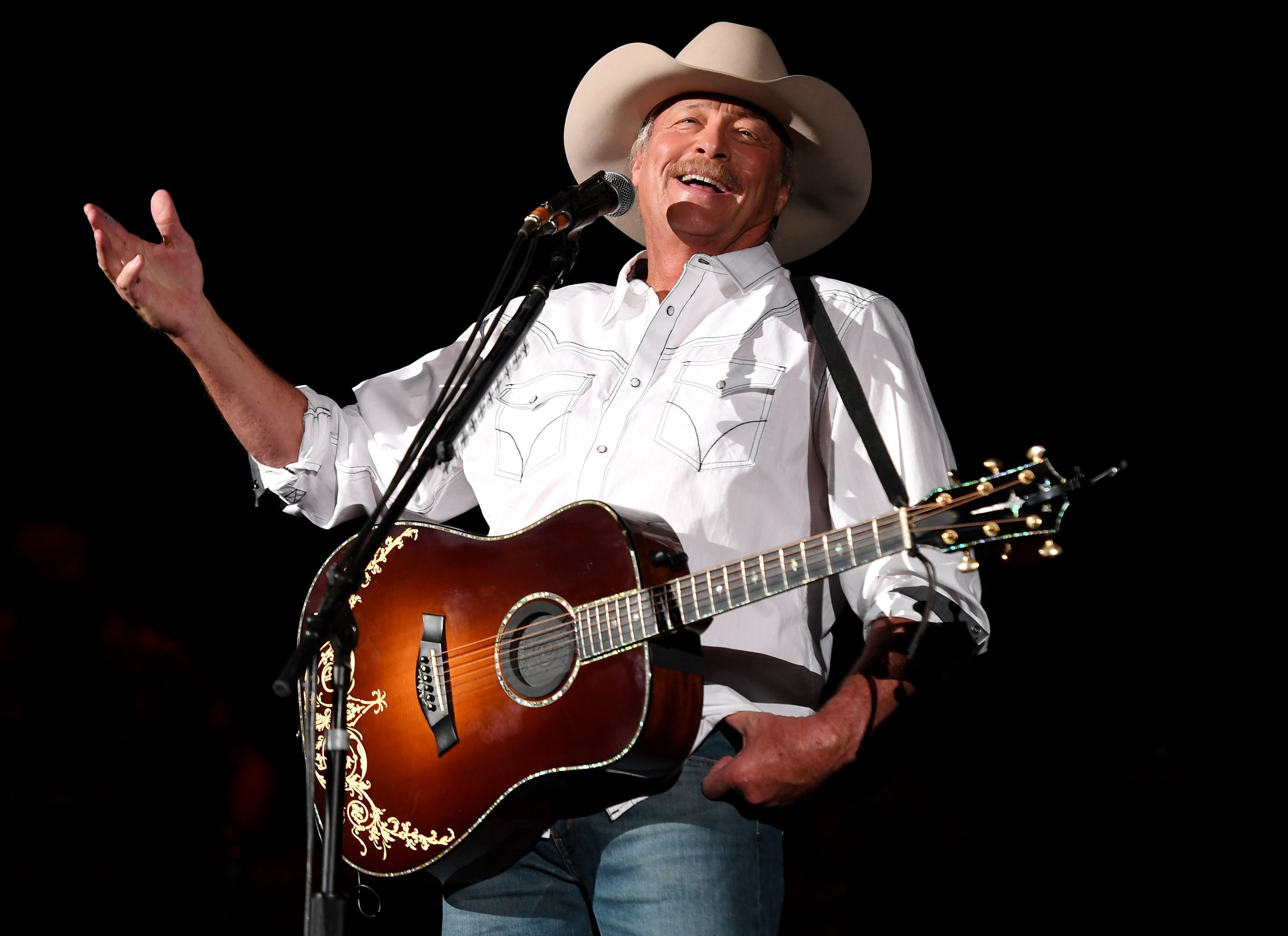 Alan Jackson Announces 2019 Tour Dates With Images Alan