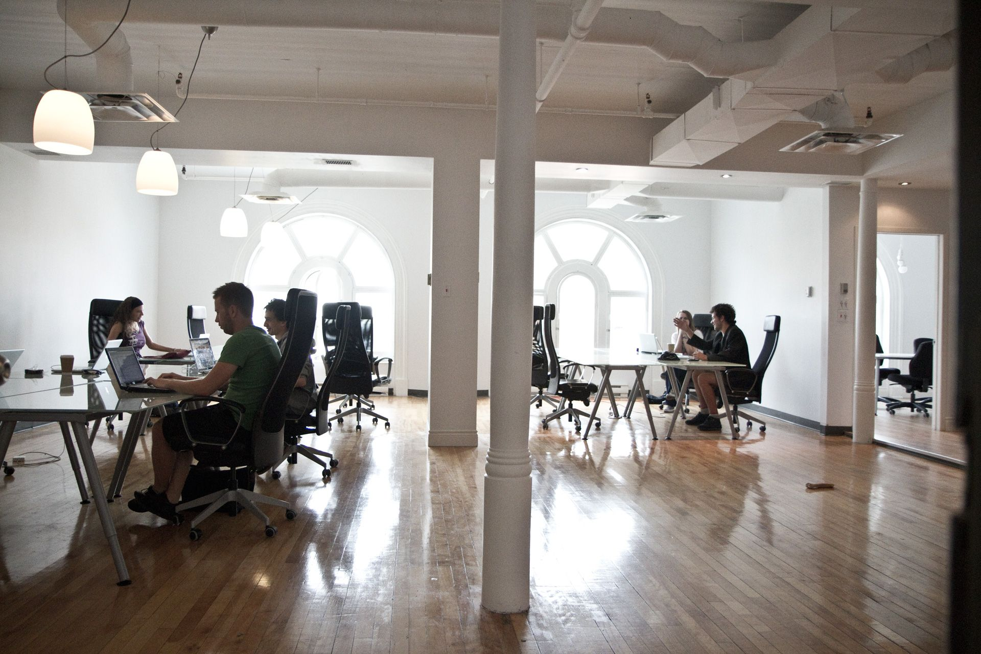 abri co coworking space in qu bec 335 rue saint joseph est bureau 500 5i me tage g1k 3b4. Black Bedroom Furniture Sets. Home Design Ideas