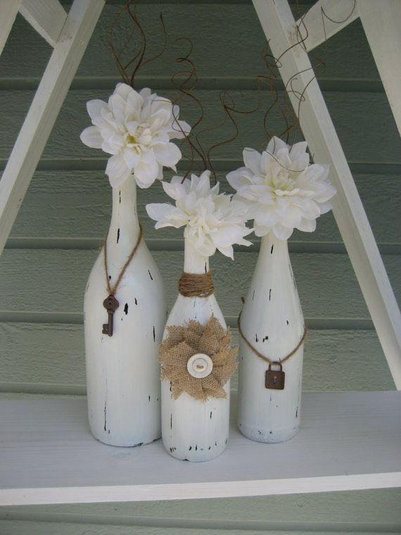 Conjunto de tres reciclado pintado de botellas por StacysHappyPlace