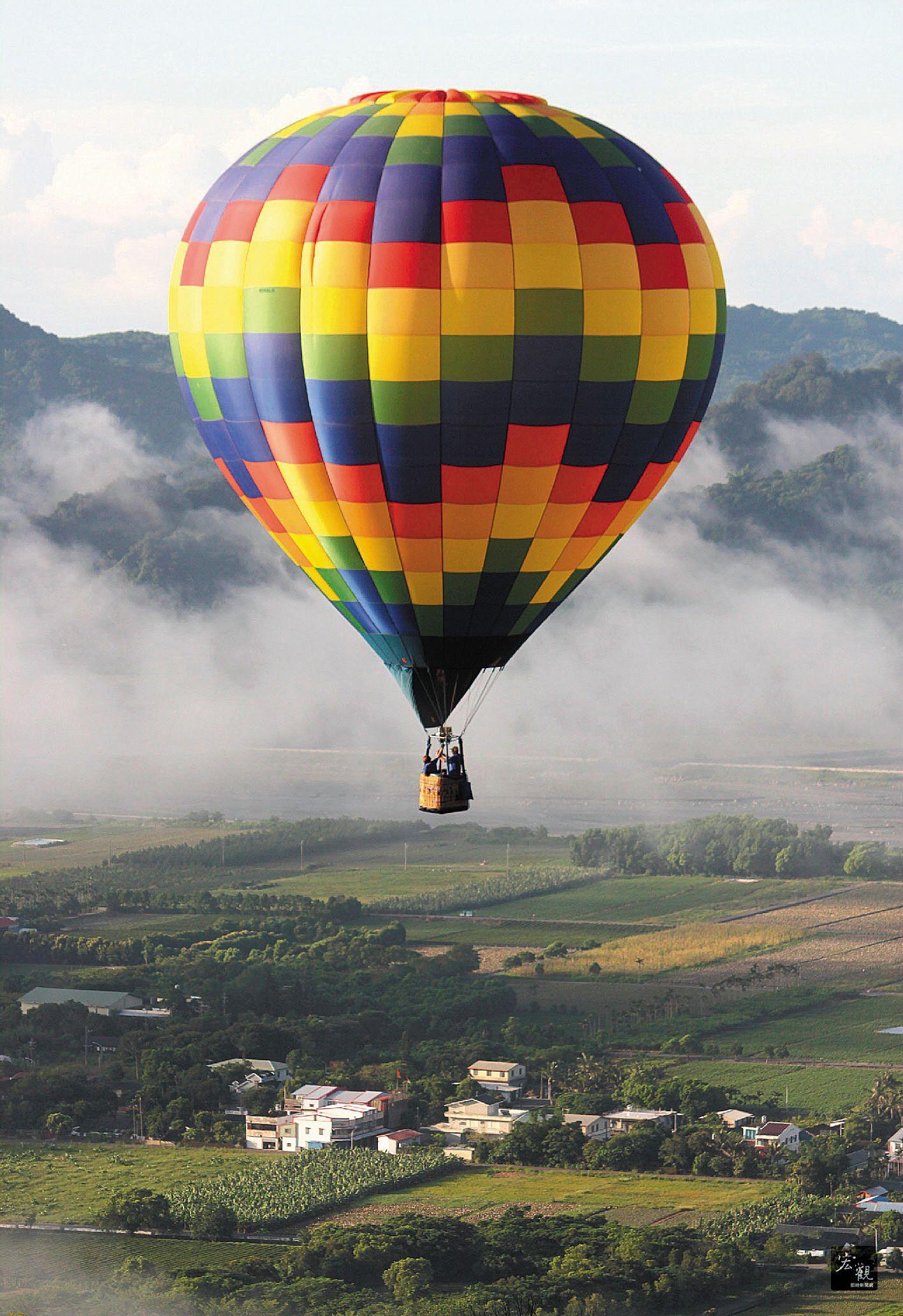 Releasing Hotair balloons as a mark of Thadingyut
