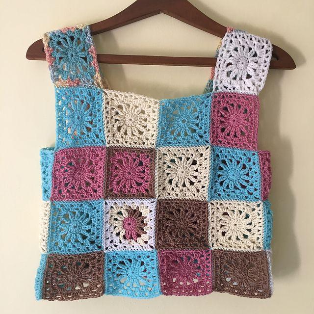Super Easy Granny Square Crop Top Crochet Pattern | Easy granny ...