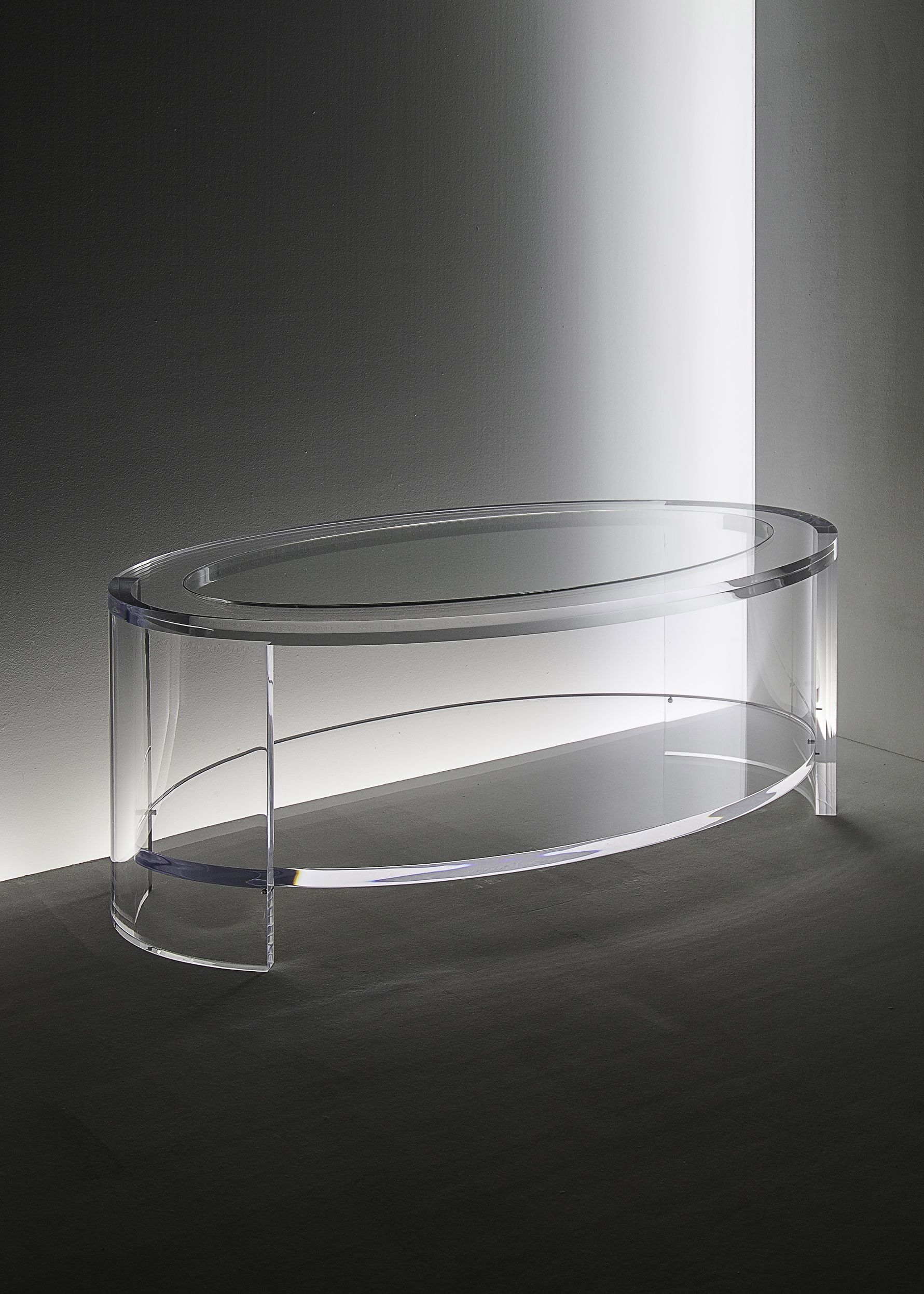 ACRYLIC Eclipse oval coffee table in acrylic and glass with