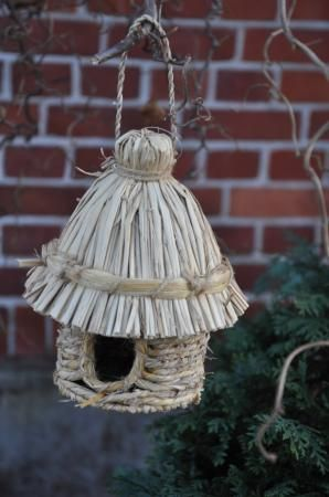 Hut bird house