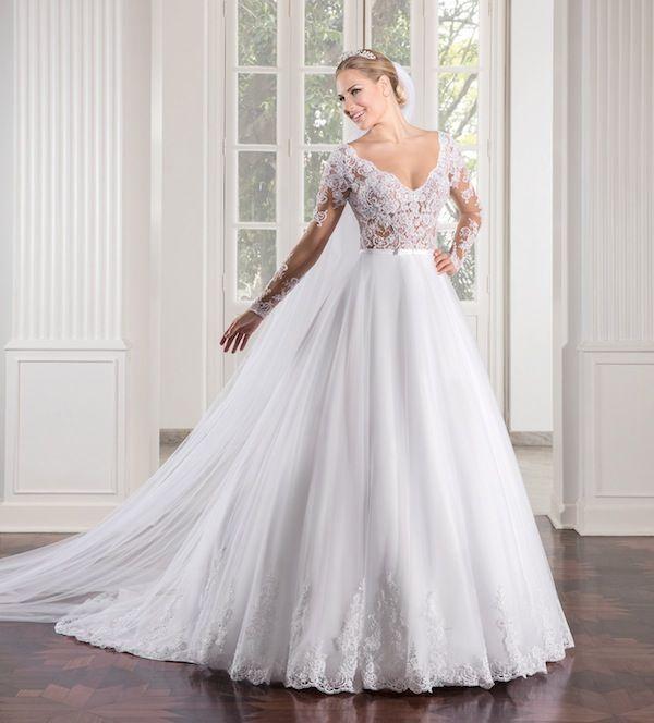 c4776762d Vestido de noiva da Nova Noiva. romântico, com busto forrado em tecido nude  e coberto com rendas, saia estruturada em tule. A nova coleção 2017 está de  ...