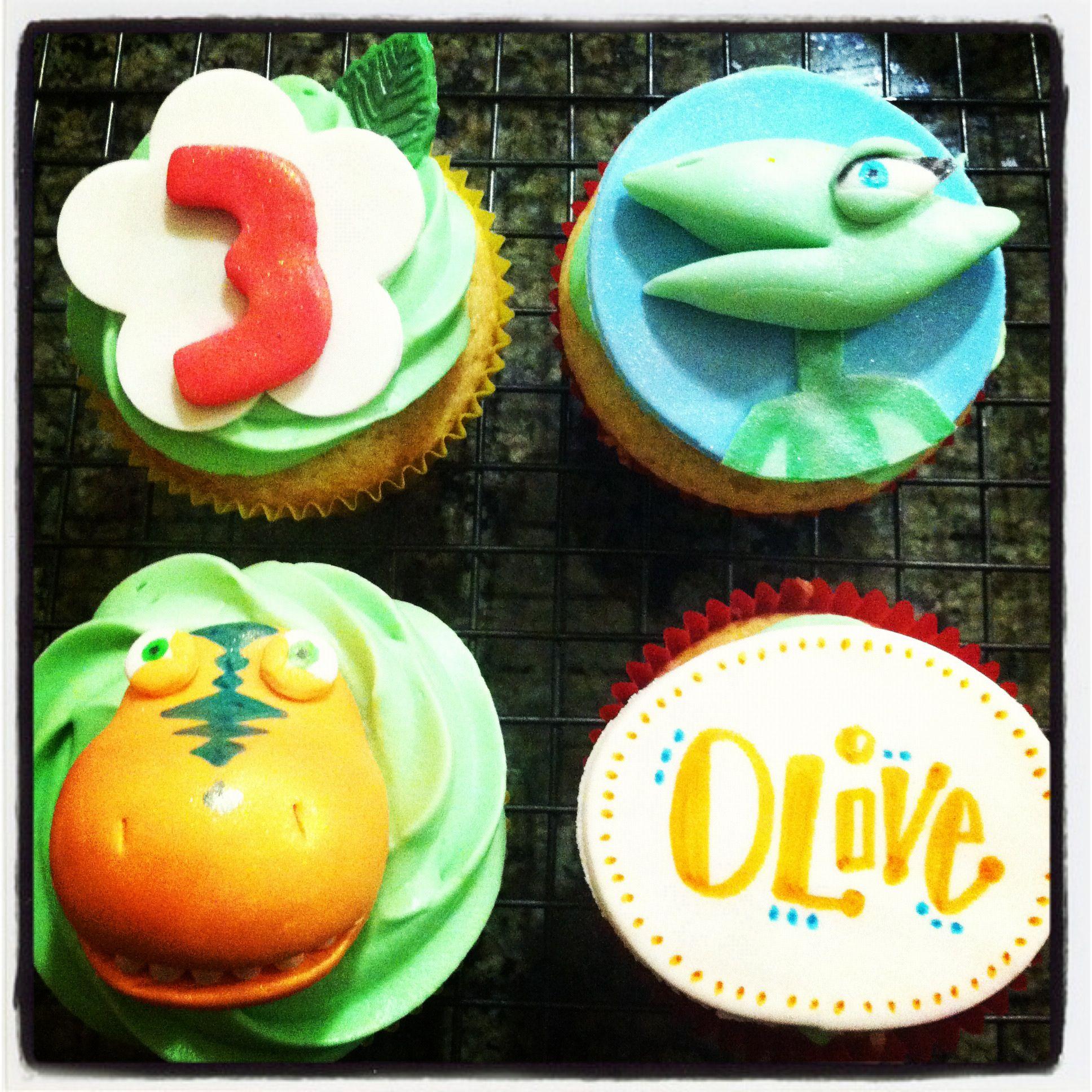 Dinosaur Train cupcakes by TiffyCakes
