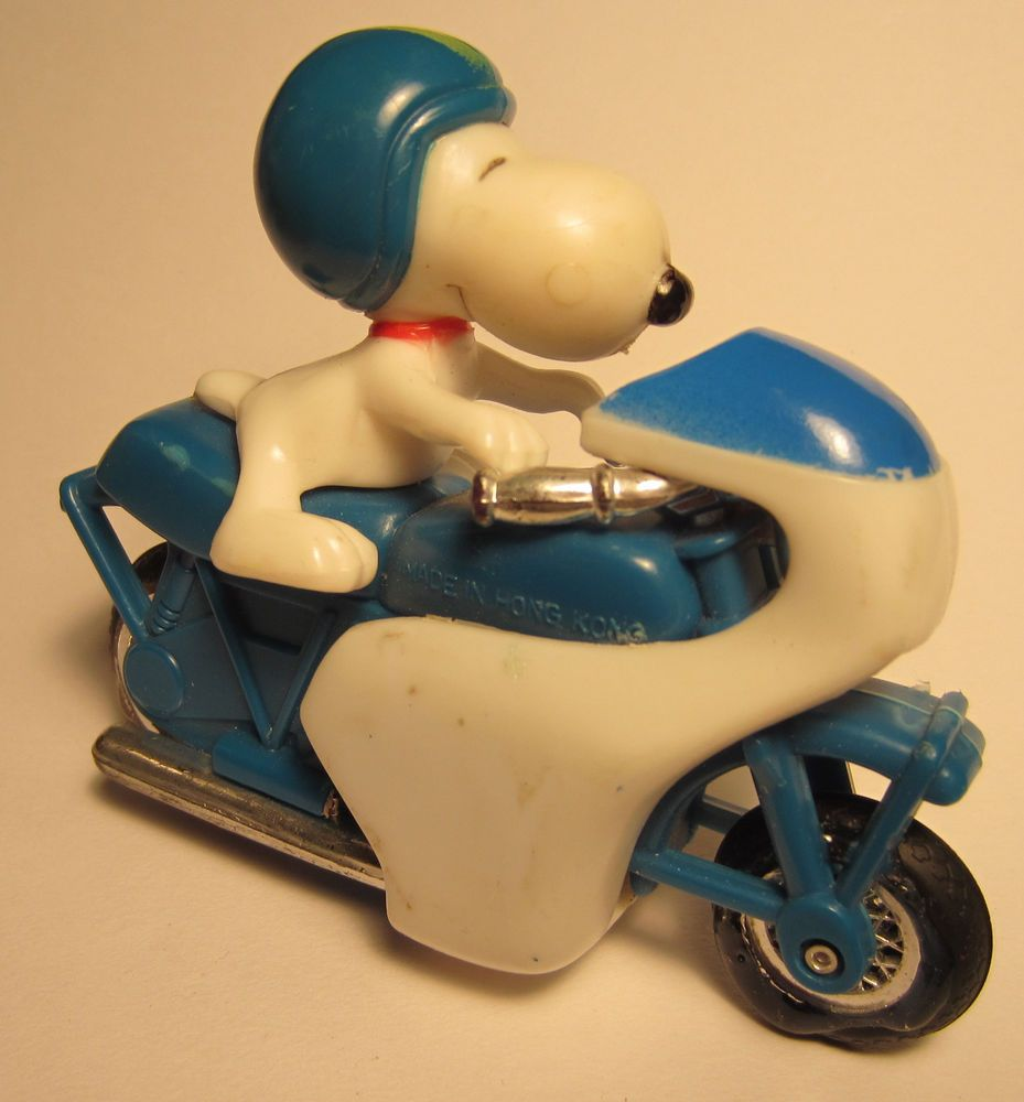 """Vintage Snoopy Motorcycle by Aviva 4"""" x 3"""" Friction Toy Peanuts Schultz"""