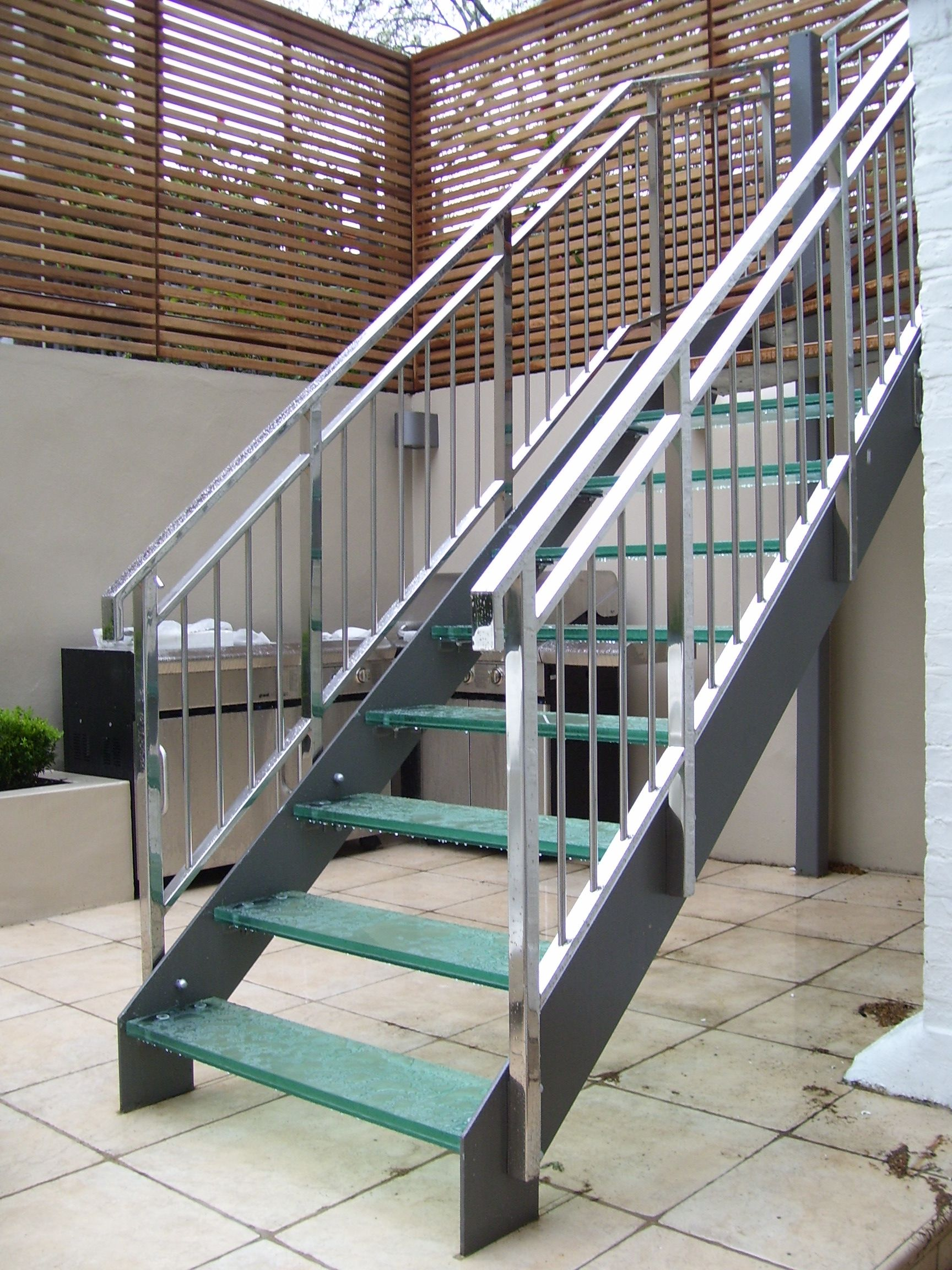 Outside Metal Staircase   Http://www.potracksmart.com/outside