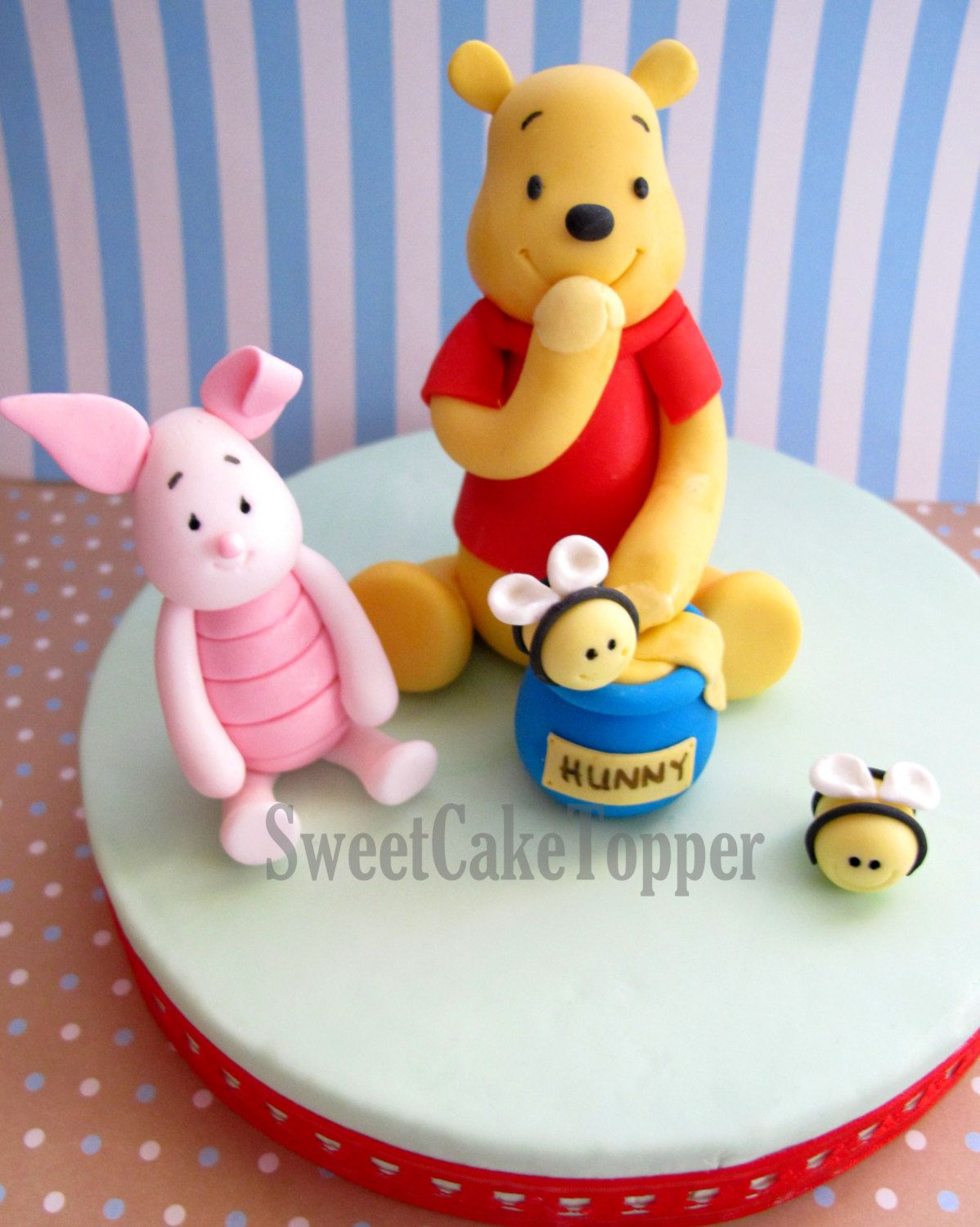 Cake Decor And More Gewerbepark : Winnie the Pooh Inspired Fondant Cake Topper - Handmade Edible Cake Topper - 1 Set. USD30.00, via ...