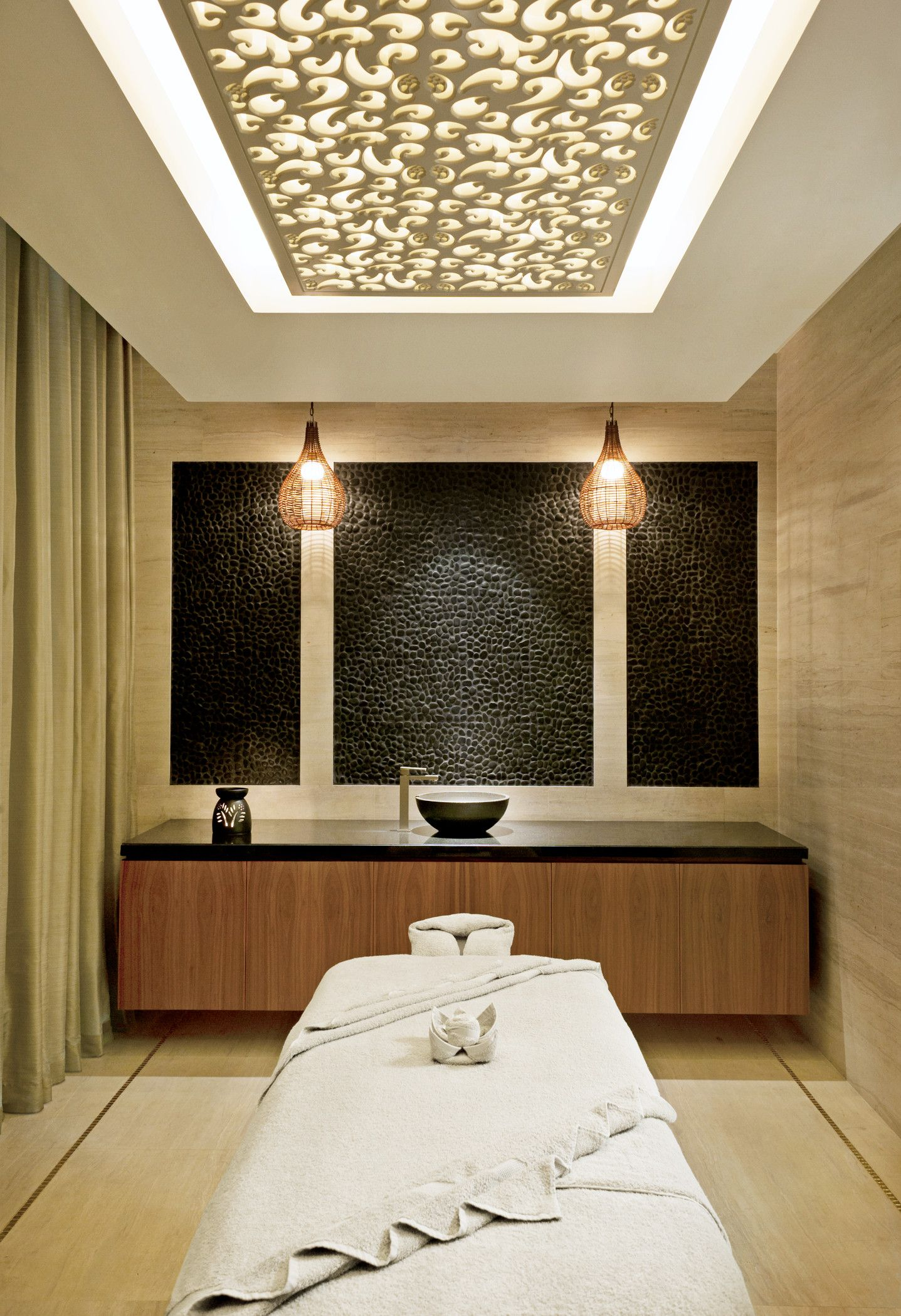 Cambodian spa men 39 s treatment room google search c spa for Spa treatment room interior design