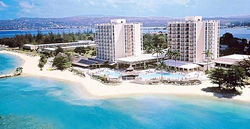 Amidst Swaying Palms Shimmering Water And Beautiful Beaches The Casual All Inclusive Sunset Beach Resort Spa In Montego Bay Jamaica Offers Something