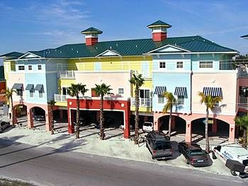 The Lighthouse Resort Inn Suites Fort Myers Beachfl Hotel Deals Vacation Packages