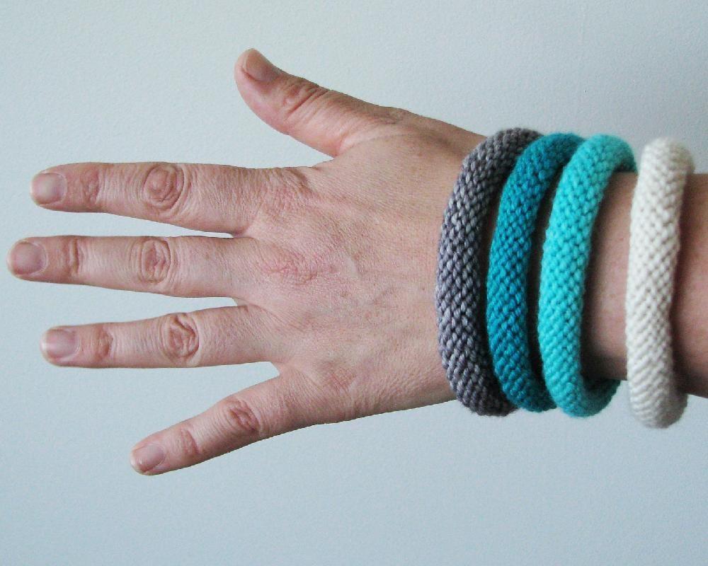 Easy knitted bangle   knit patterns   Pinterest   Bangle, Knitting ...
