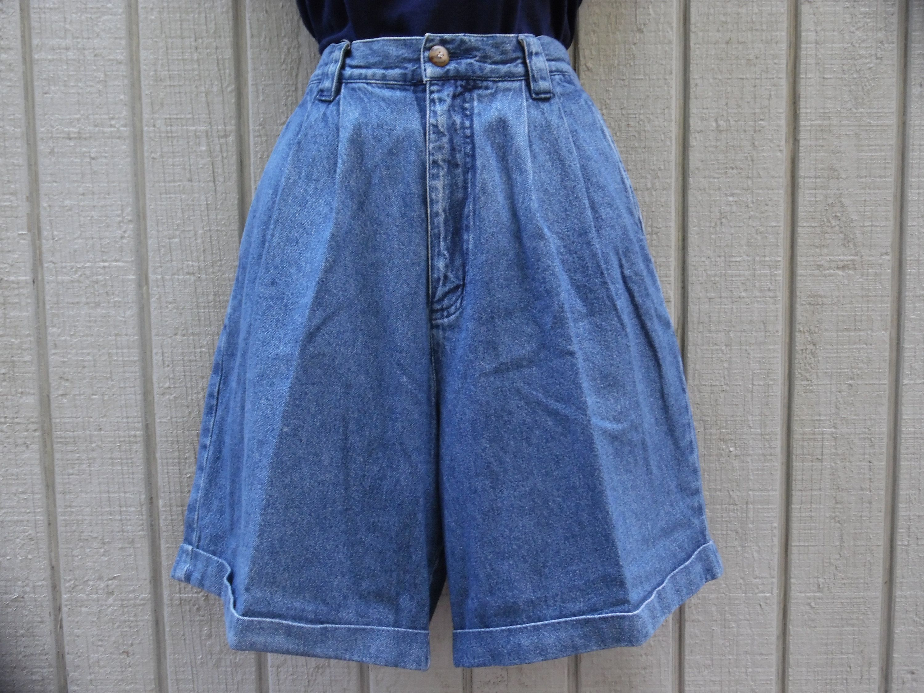 1ce3548ead 90s Vintage High Waist Mom Jean Shorts 1990s Denim Grunge Pleated Shorts  Size Medium by Eddie Bauer