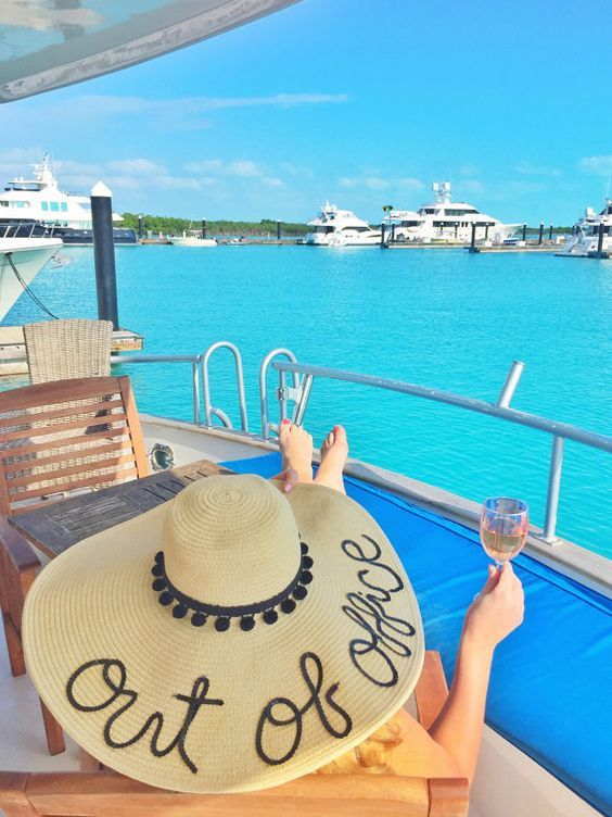 ea2446916 I'm on vacay... | What to Pack: Travel Style | Floppy sun hats ...