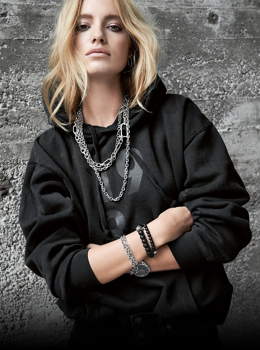 89dbb2db7 The THOMAS SABO Iconic jewellery pieces, worn alone or in layers, are  self-confident in design and perfect for expressive statements.