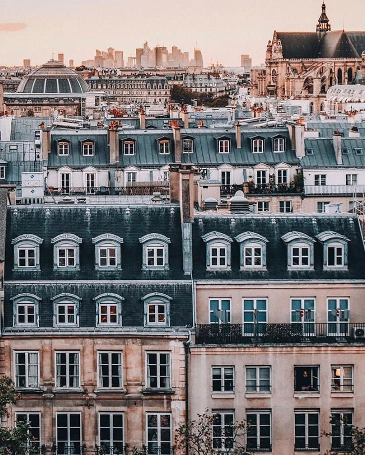 "Photo of Paris ZigZag auf Instagram: ""Die Dächer von Paris, Erbe …"