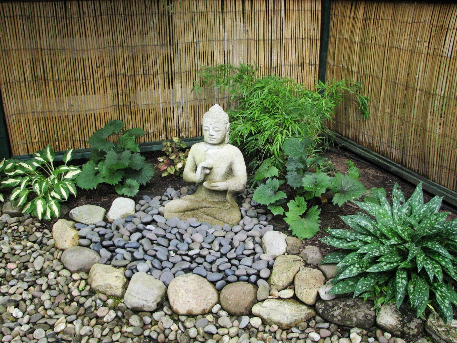 my zen garden lanterns and landscape - Buddha Garden