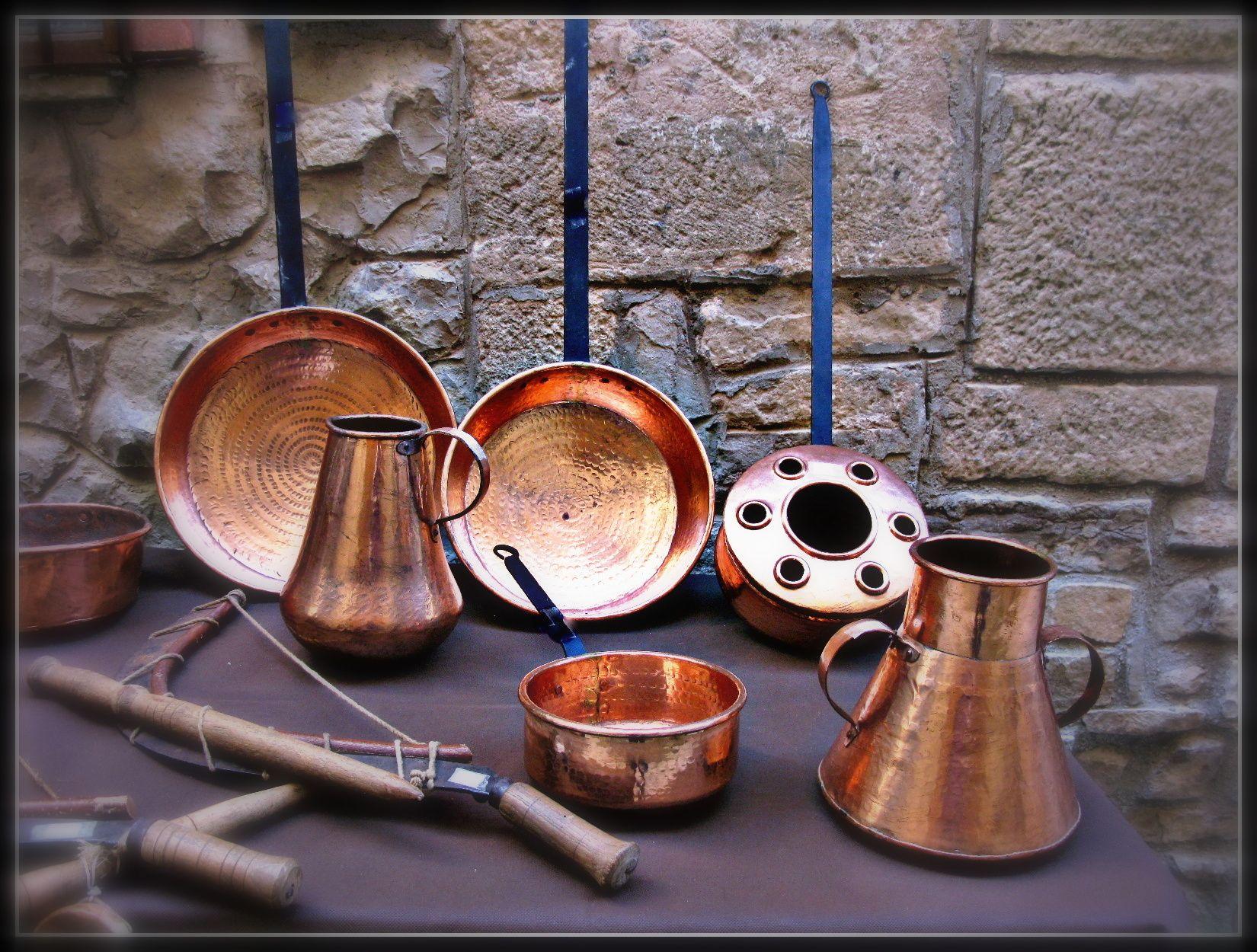 utensilios antiguos de cocina de cobre utensilios
