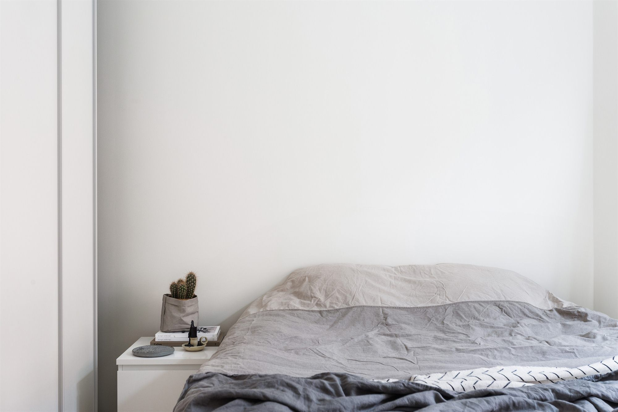 Scandinavia Bedroom Furniture Raprstrandsgatan 18 2 Tr Fantastic Frank Interior Design
