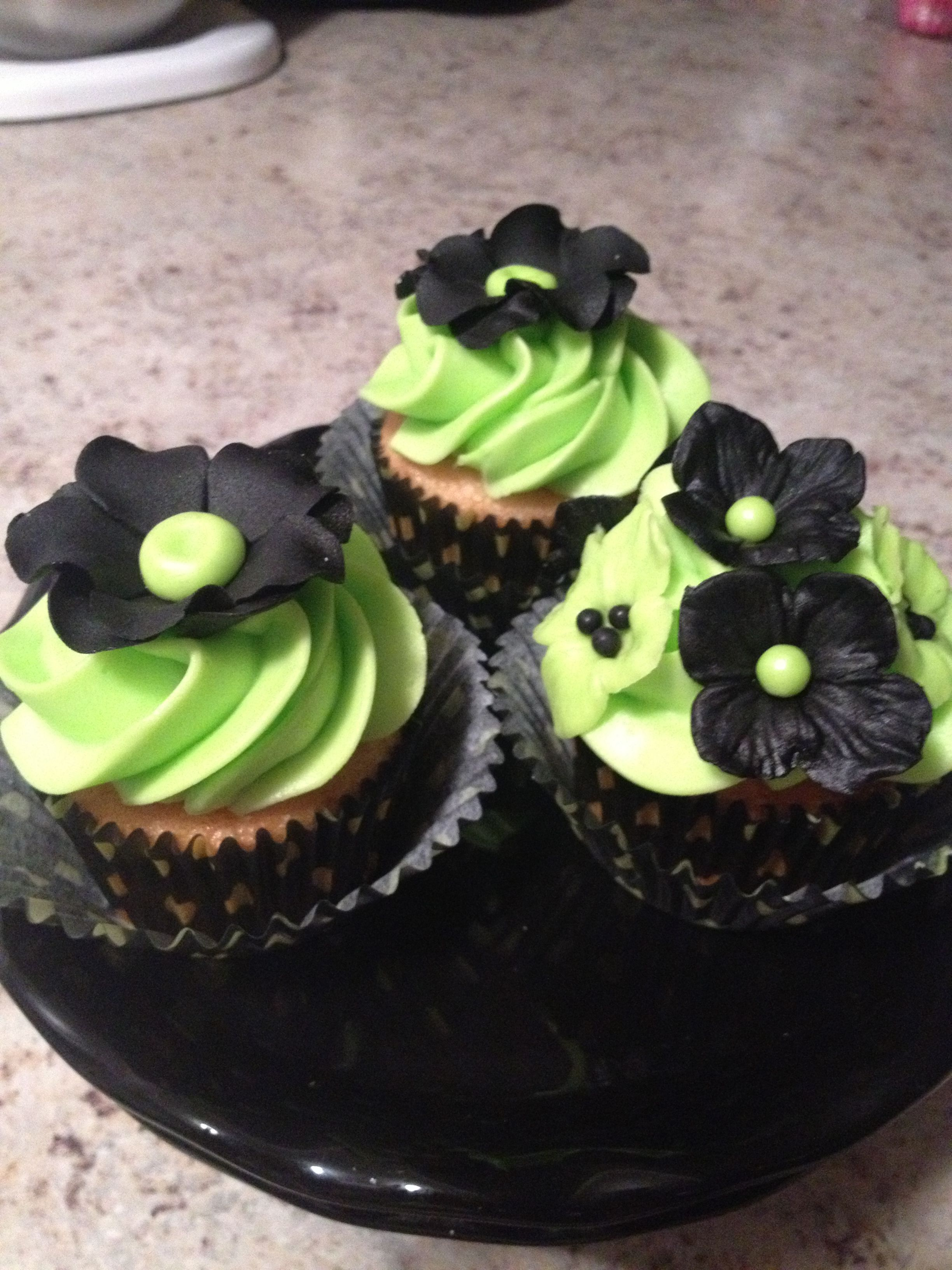 Black and Lime Green Cupcakes All my cakes