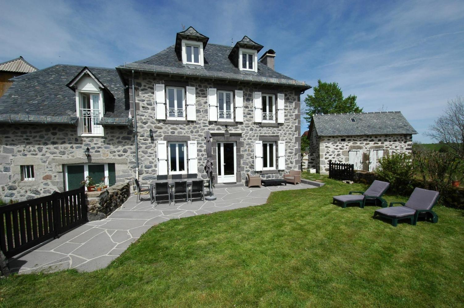 Gite La Maison D Anna Pailherols Auvergne Rhone Alpes Gites De France Gite De France Maison Style Gite