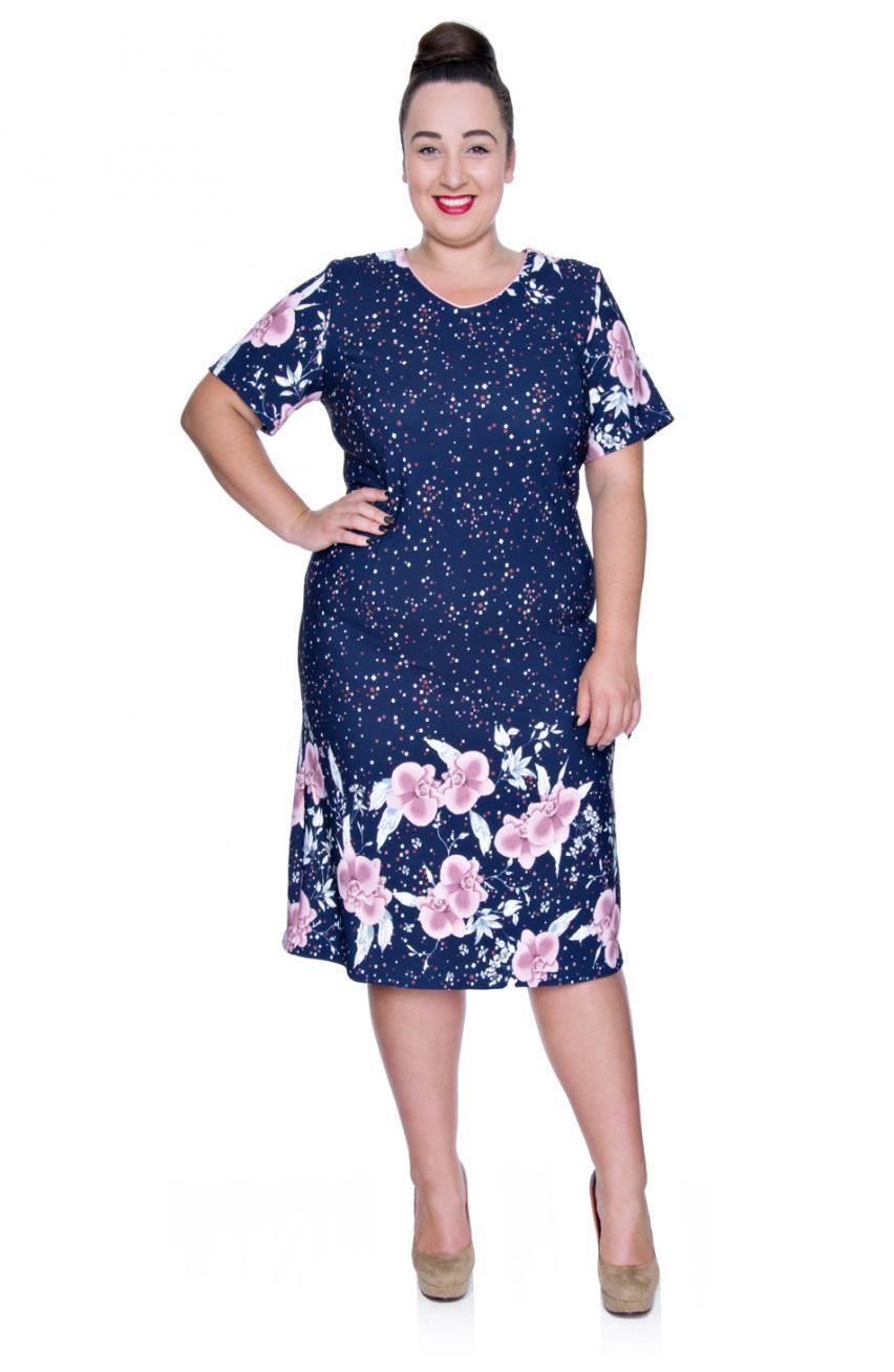 1fe140aa56 Granatowa sukienka różowe kwiaty - Modne Duże Rozmiary