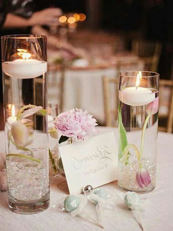 bougie flottante comment on peut l utiliser mariage pinterest bougie flottante bougies. Black Bedroom Furniture Sets. Home Design Ideas