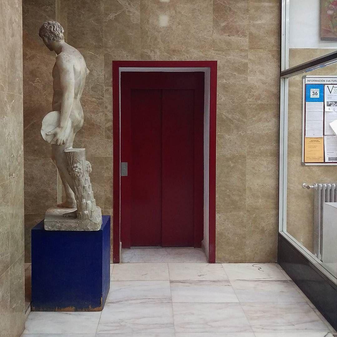 Viejos pero modernos portales madrileños (131) mentiras de folletín by enricpastor