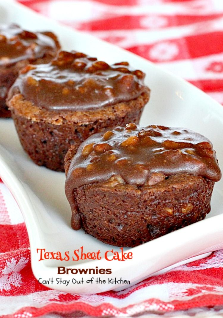 Texas Feuille gâteau Brownies |  Vous ne pouvez pas rester en dehors de la cuisine |  oh mon Dieu, ces #brownies sont tellement incroyable.  Si vous…