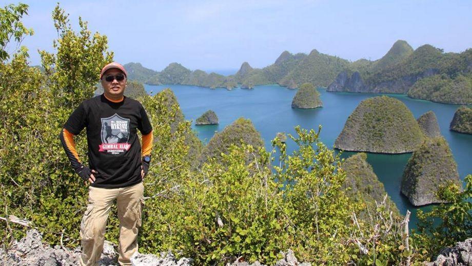 Pin Di Kepulauan Wayag Raja Ampat