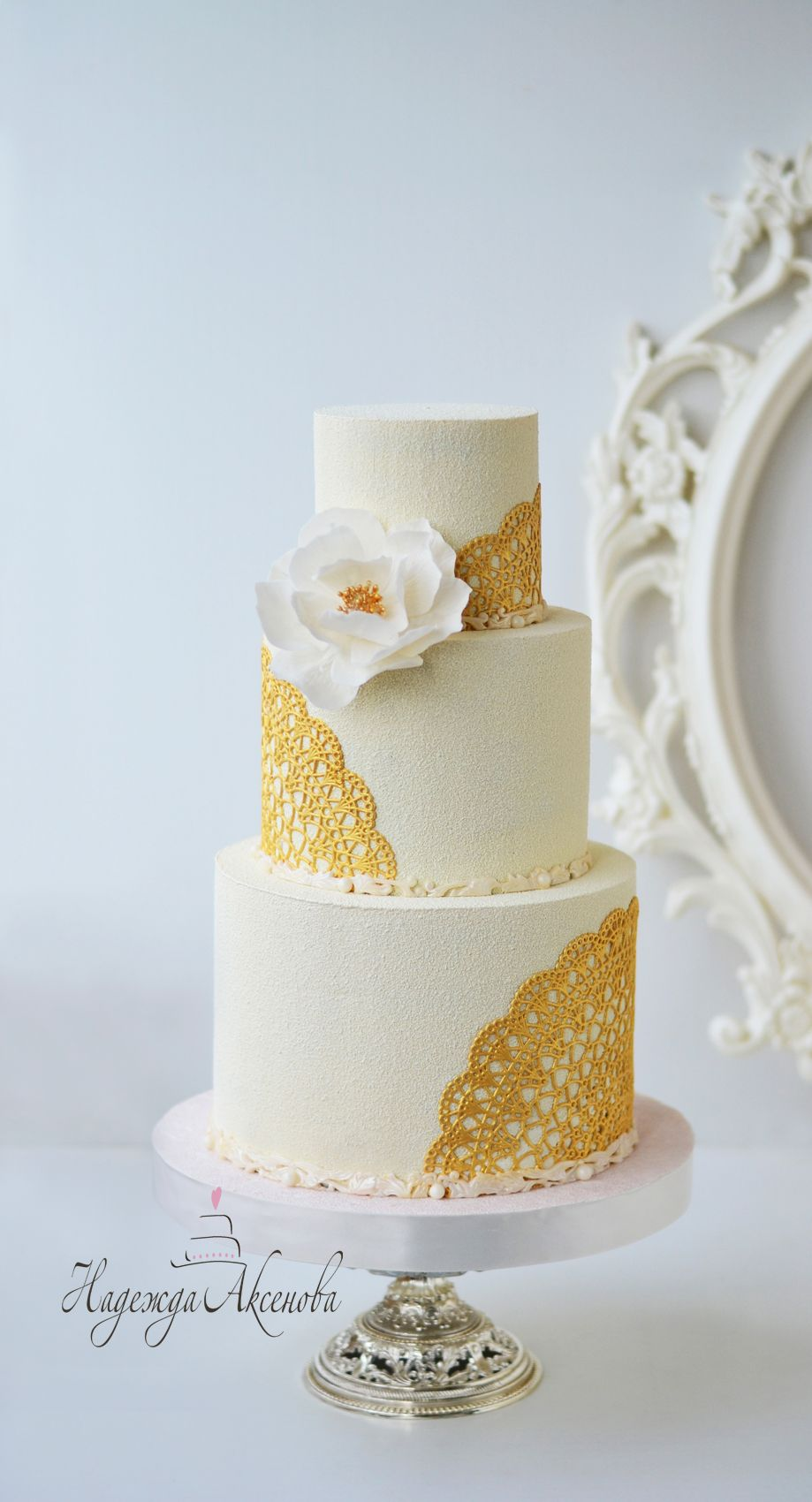 Wedding Cakes in Chocolate .wedding cake cover- chocolate velvet . Chocolate velvet texture White and Gold Cake