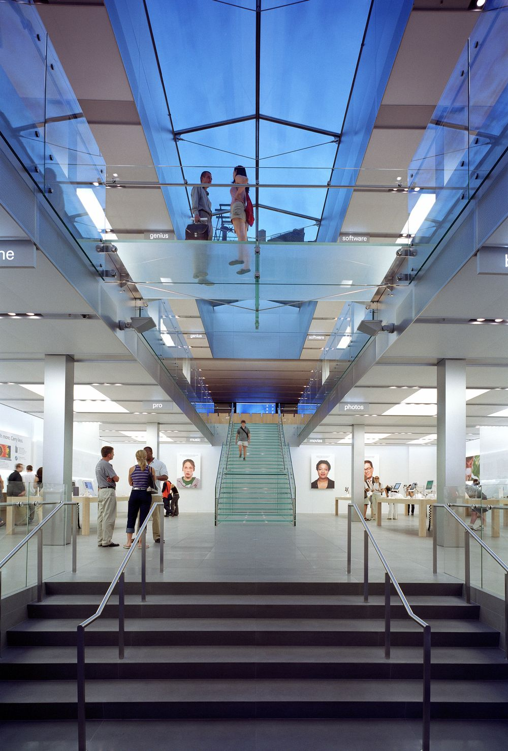 Apple Store Commercial and Office Architecture Design