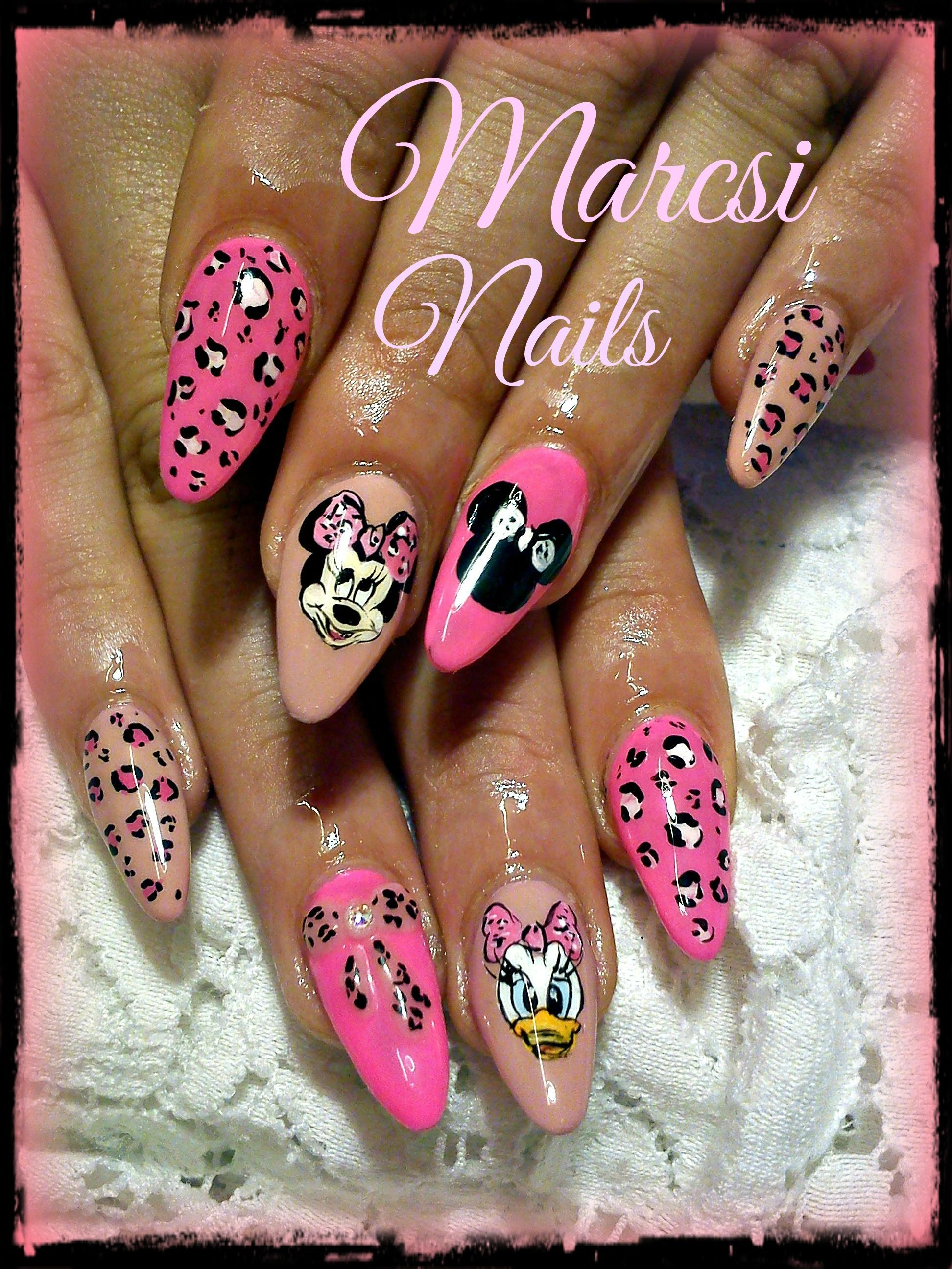 Minnie mouse and Daisy duck nail, Cartoon nails | Nails | Pinterest ...
