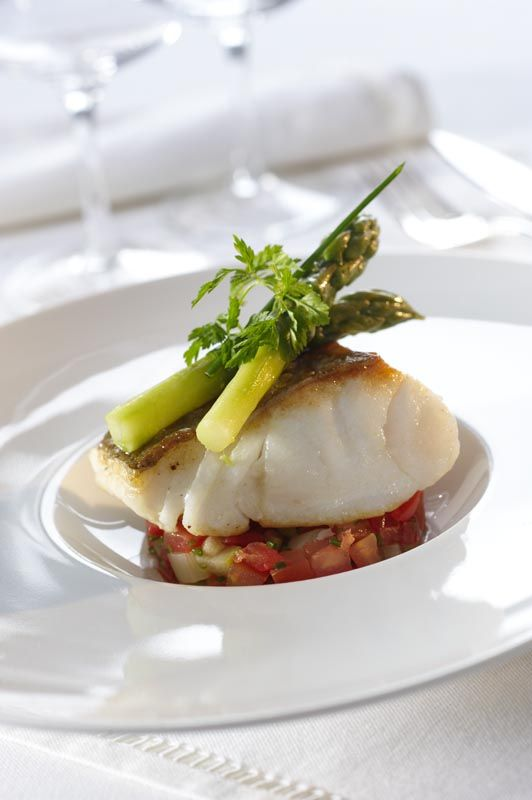 Bacalao with asparagus sandra ver nica wedding planners for Fine dining food