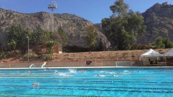 Sit in domani davanti la piscina comunale di Palermo