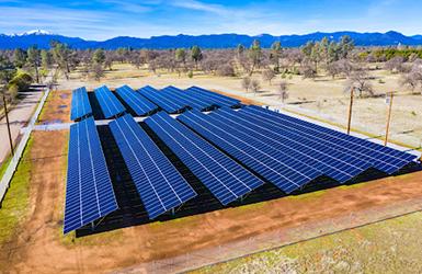 Calcom Energy Solar Projects Offset 75 Of California Utility S Power Use Solar Projects Solar Solar Farm