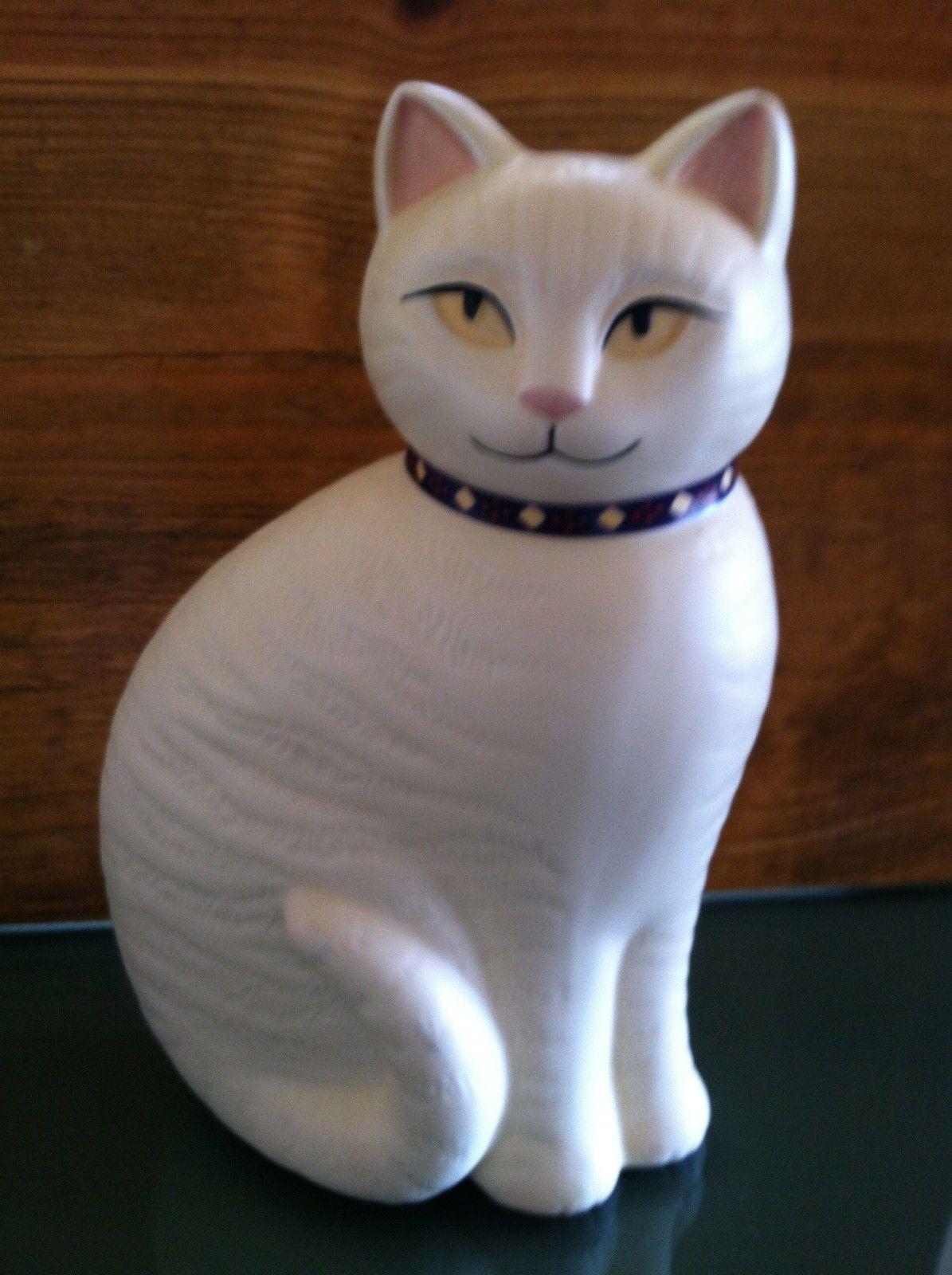 Sitting white cat ceramic figurine