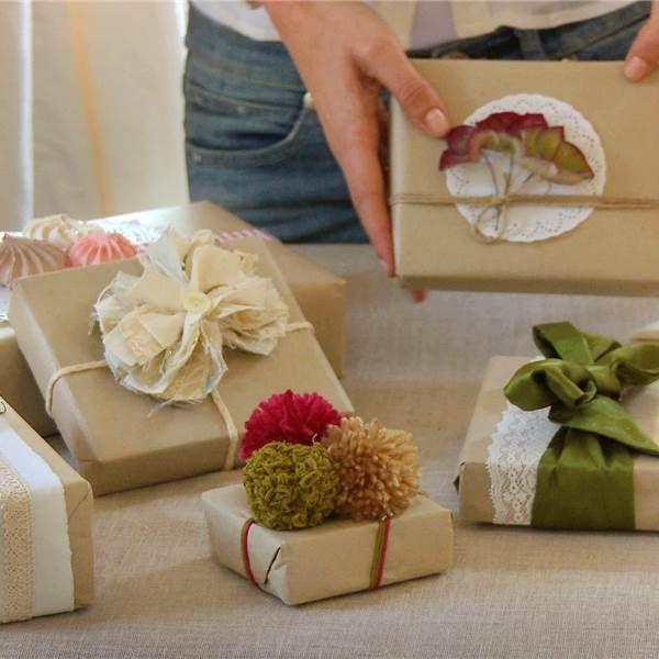 Pon flores Pinterest Envolver regalos, Envuelto y Regalitos