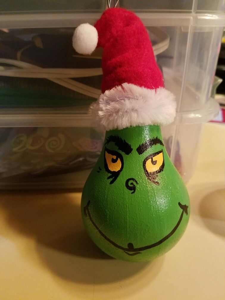 The Grinch Ornament. Lightbulb Ornament.  Dr. Suess. Christmas