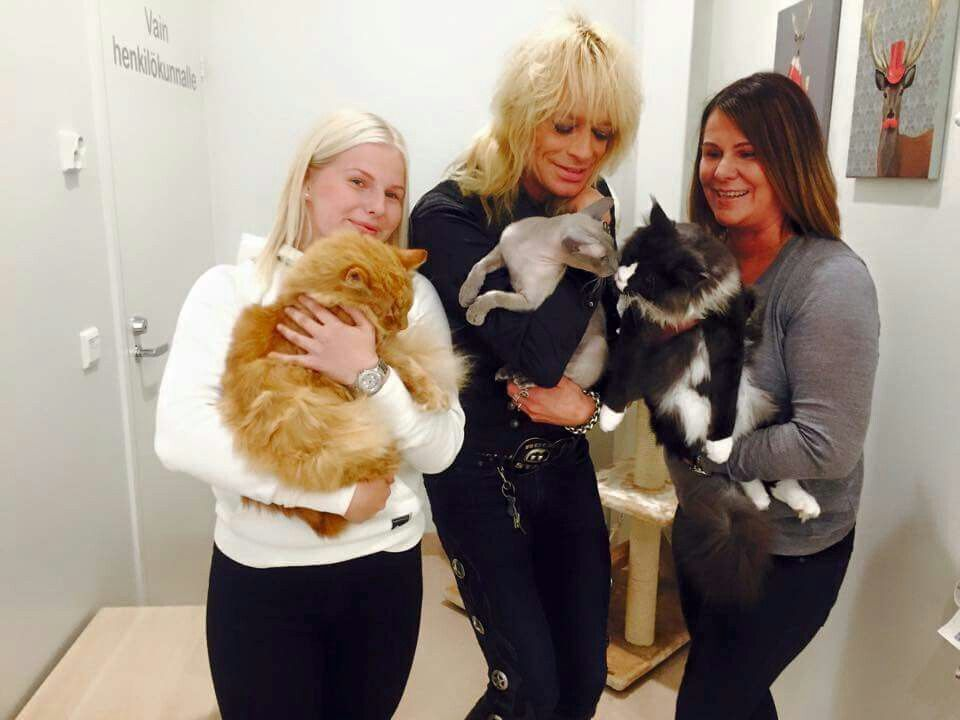 Michael Monroe love that he is such a cat lover