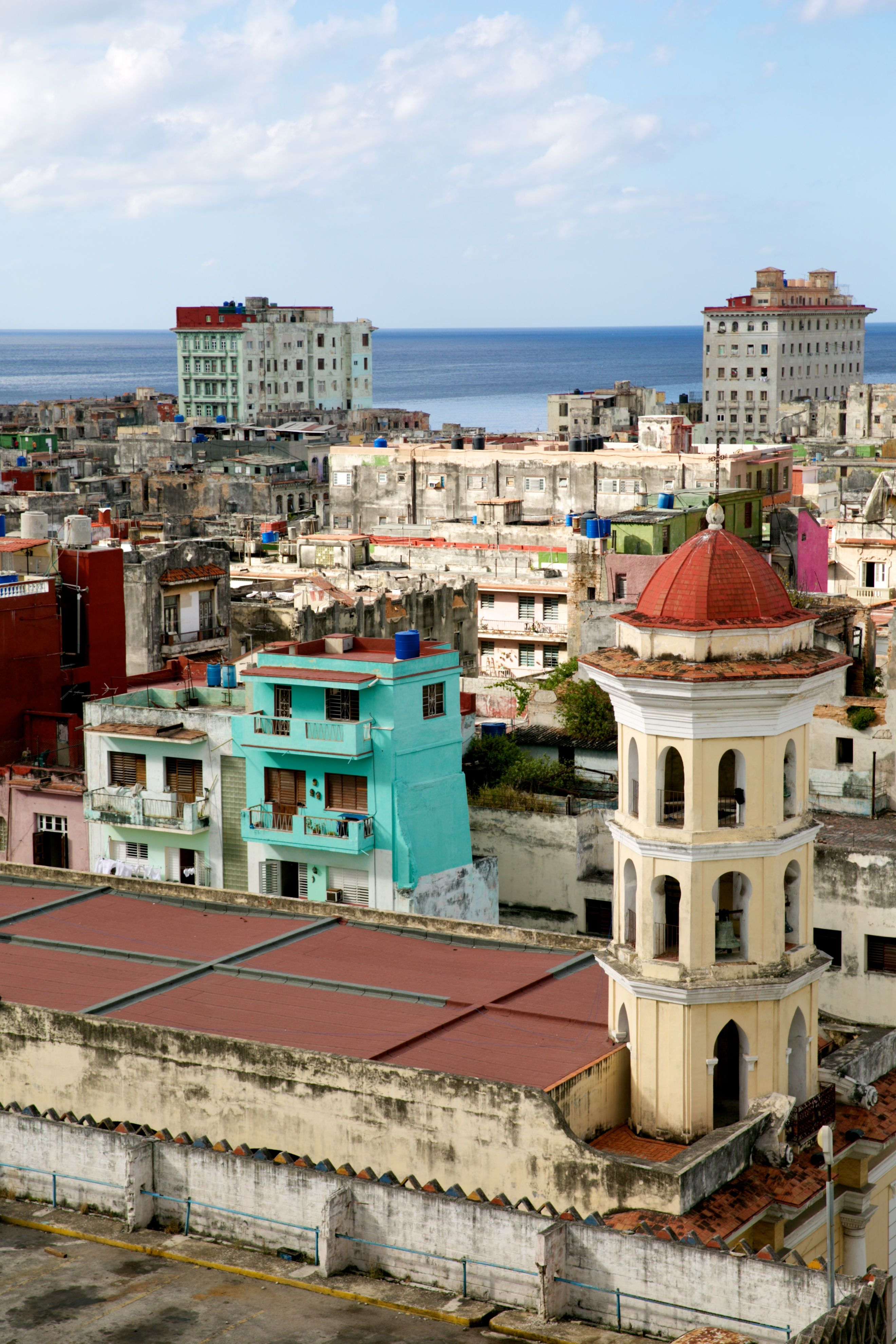 My day to day diary of my trip to Havana Cuba. The real Havana, not just the pretty colorful photos, although Langré Edwards captured it all very well.