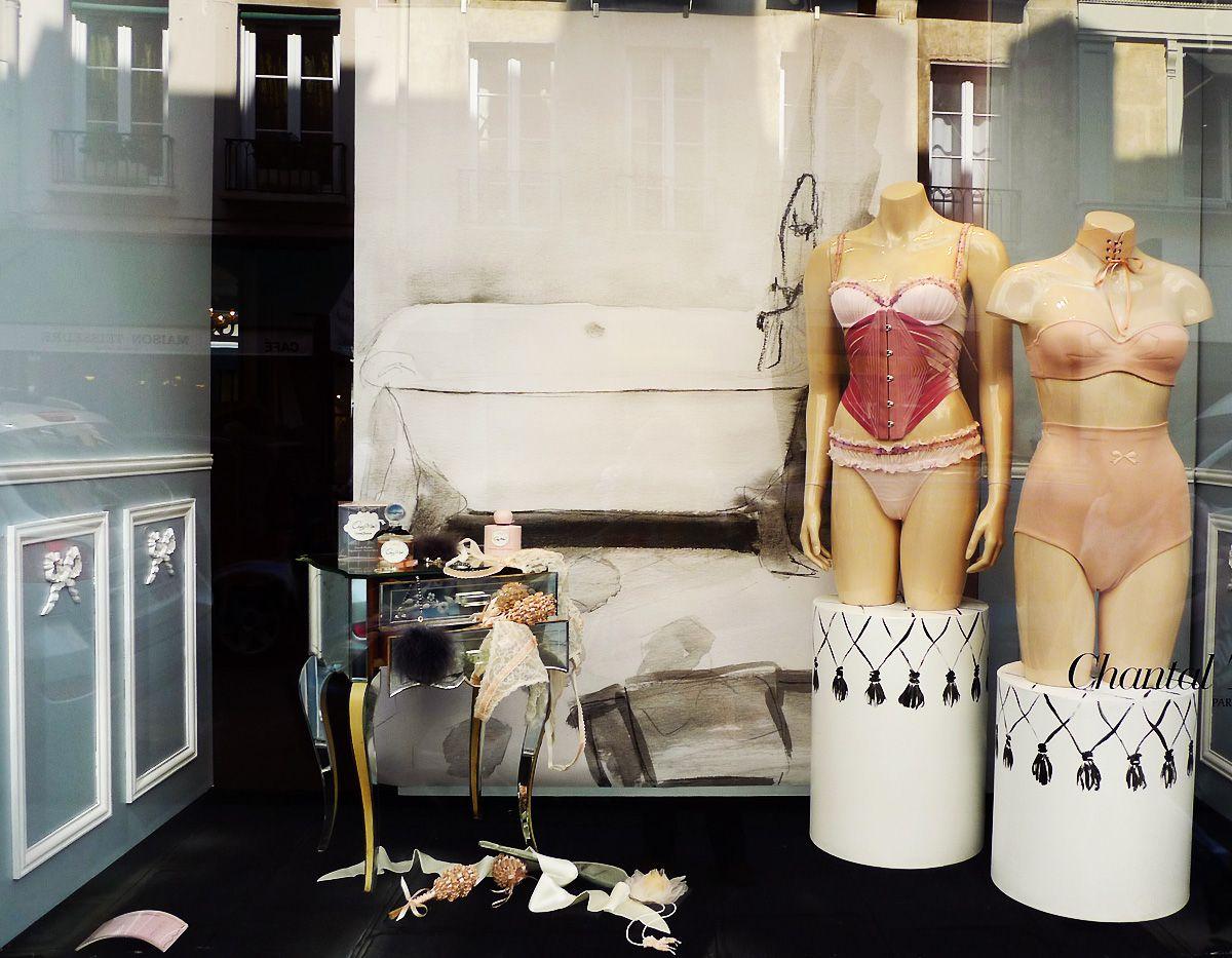 vitrines de chantal thomass april 2011 paris lingerie store displays with mannequins. Black Bedroom Furniture Sets. Home Design Ideas