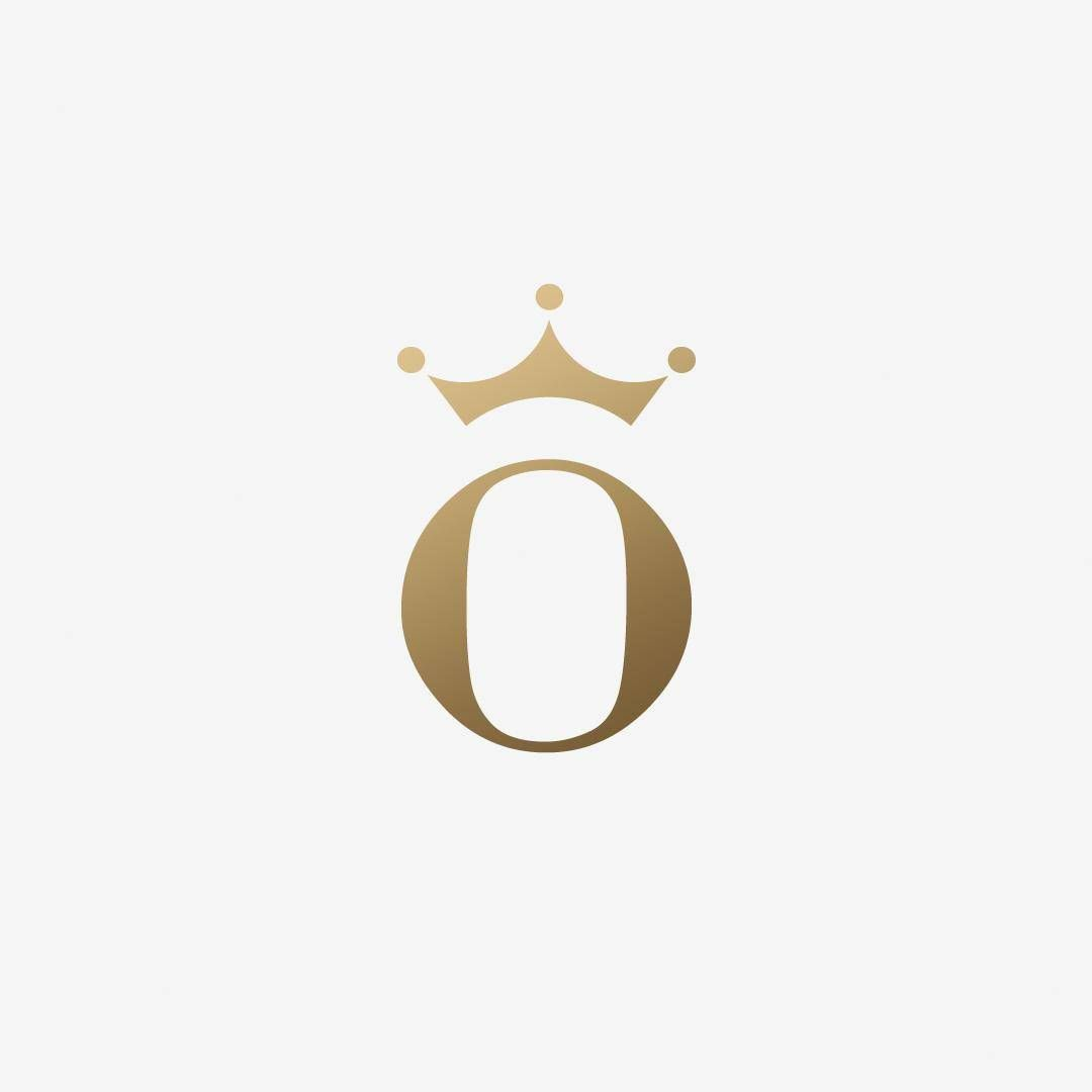 "O"" + queen crown. Logo design for a lady interior designer named ..."