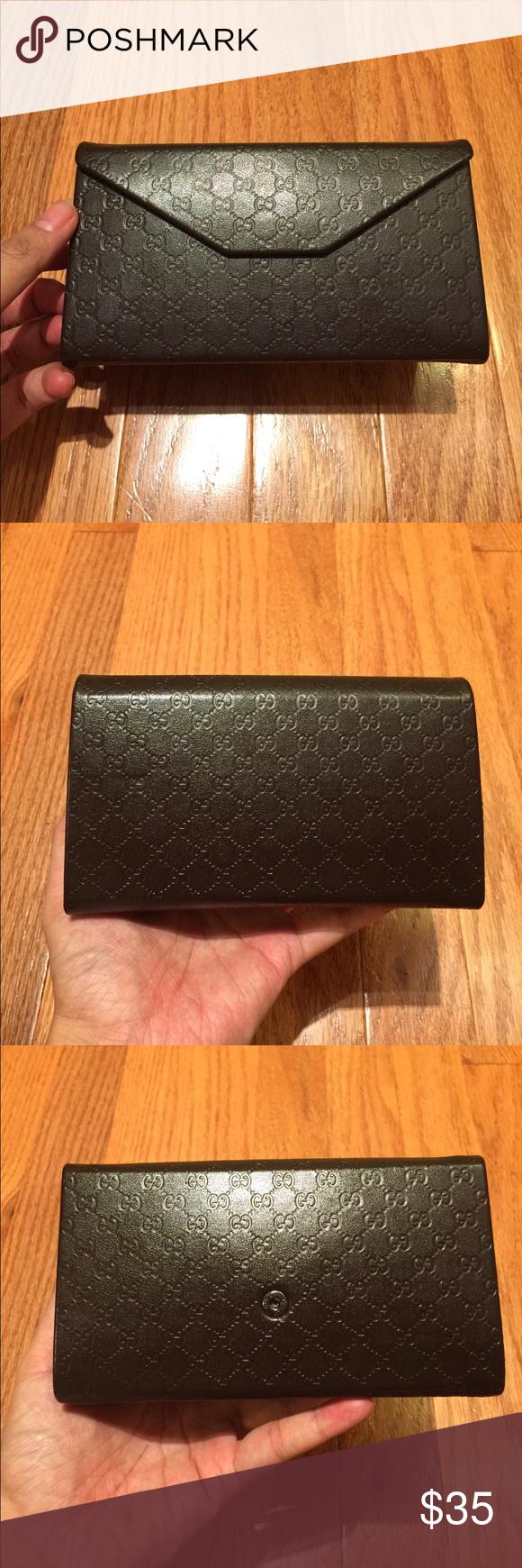 c65f179e81119f Gucci Brown GG Logo Sunglasses Case/ Money Pouch In excellent condition- I  don'