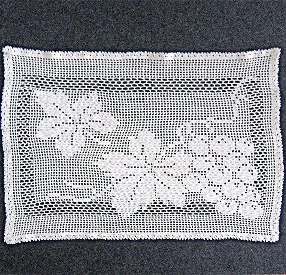 Vintage Filet Crochet Grape Vine Table Topper | Patrón de ganchillo ...